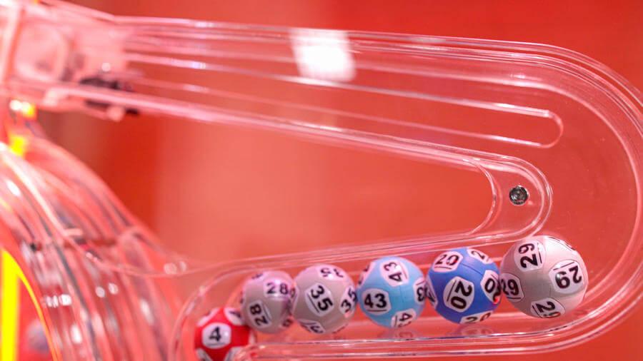 Kuličky ve hře Mega Ball
